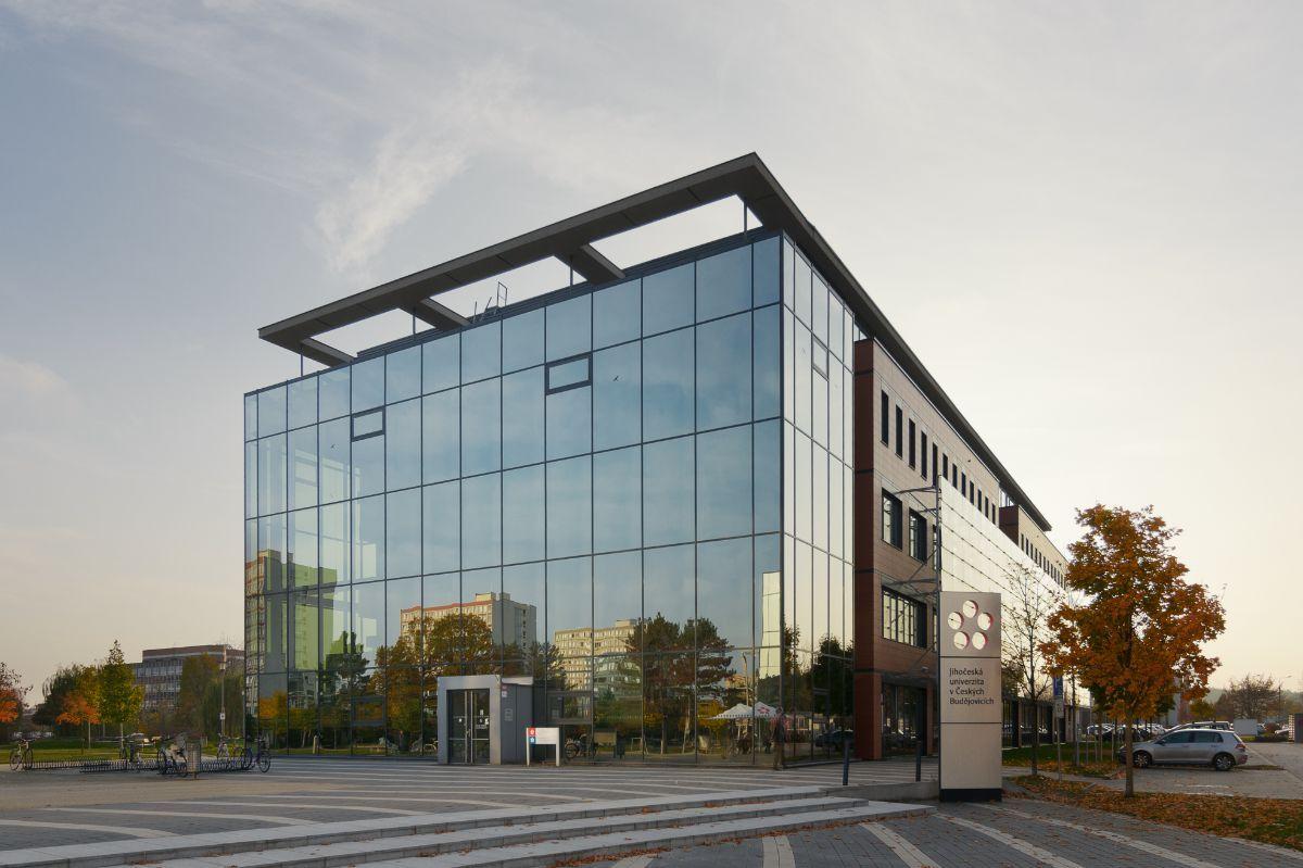 skleněné fasády